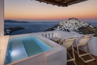 Honeymoon Suite N1 oneiro sunset