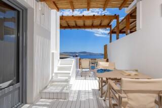 Honeymoon Suite N12 oneiro balcony
