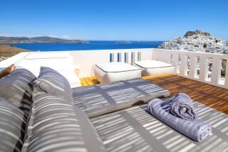 Honeymoon Suite N2 oneiro sunbeds