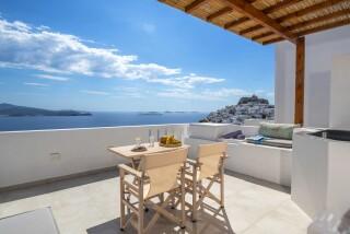 Honeymoon Suite N8 oneiro balcony