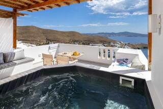 Honeymoon Suite N8 oneiro outdoor hot tub