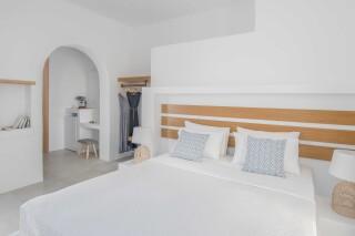 deluxe room oneiro suites interior