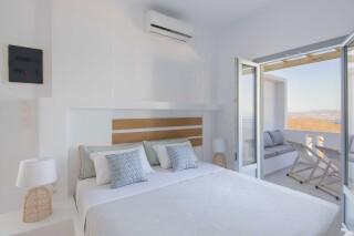 junior suite oneiro double bed