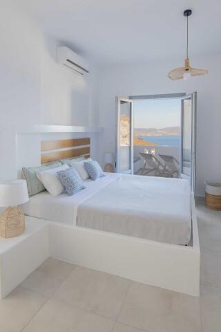 junior suite oneiro room